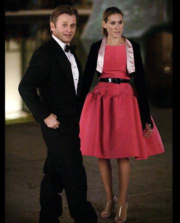 Lovely pink Oscar de la Renta gown on Carrie Bradshaw